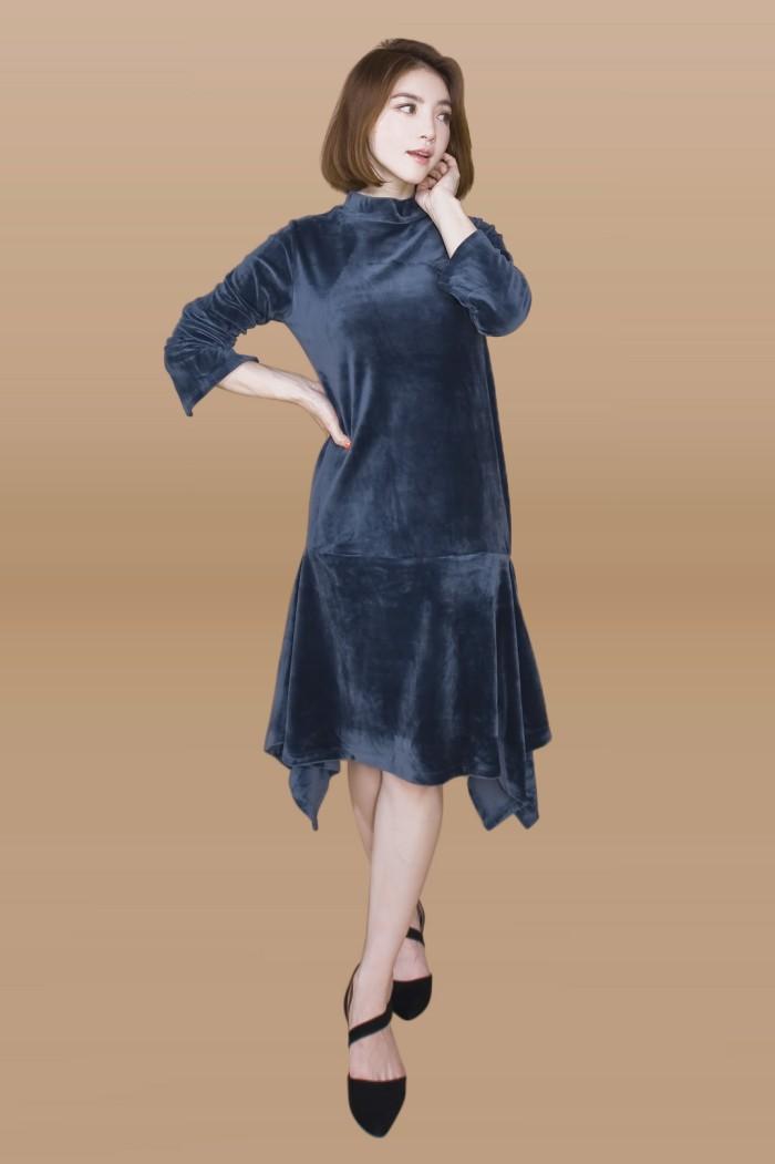 Foto Produk Kakuu Basic - Velvet Midi Dress dari Kakuu Basic