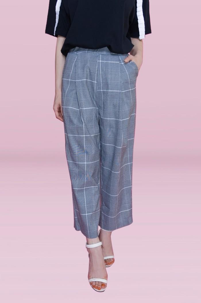 Foto Produk Kakuu Basic - Crop Checked Pants dari Kakuu Basic