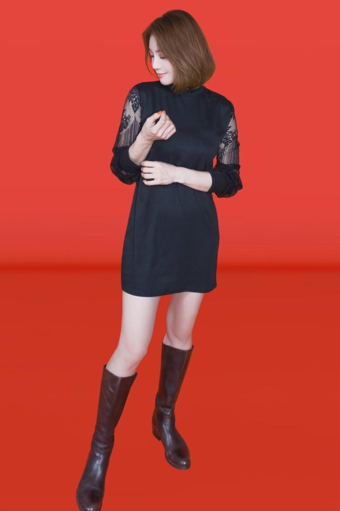 Foto Produk Kakuu Basic - Lace Sleeve Mini Dress dari Kakuu Basic