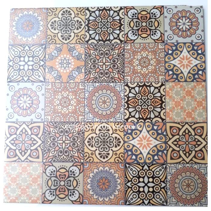 Jual Keramik Batik Motif Tegel Kunci Perfetto 40x40 Jakarta Pusat Cahaya Intan Keramik Pn Tokopedia