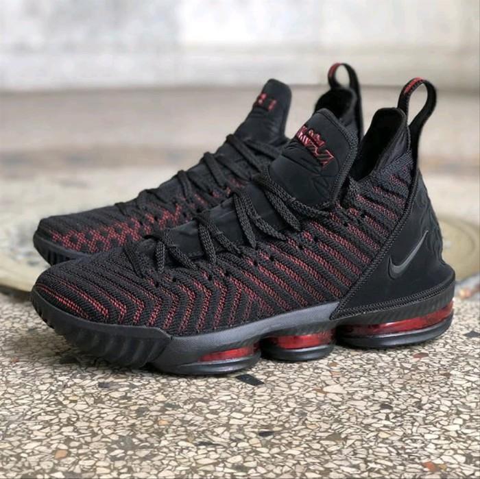 Sepatu Basket Nike Lebron James 16