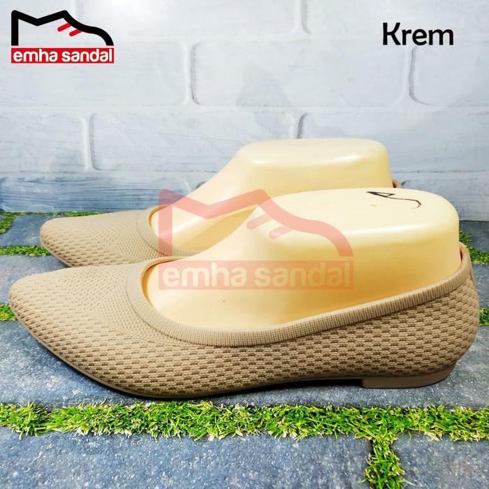 Foto Produk Sepatu Sandal Wanita Karet Jelly Balance B695 - 36, Krem dari emha sandal