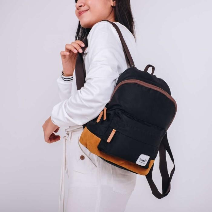 Foto Produk Tas TUSK Mini Black Tas Ransel Wanita Backpack Multifungsi Simple Dan dari Tuskbagofficial