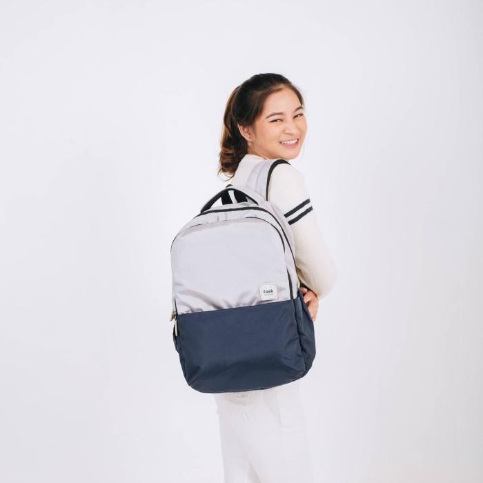 Foto Produk Reji grey tusk- Tas ransel wanita backpack multifungsi simple laptop dari Tuskbagofficial