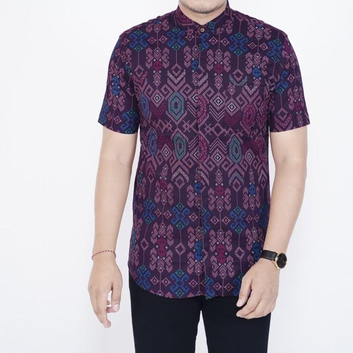 Foto Produk Kemeja Batik Pria Slim Fit Lengan Pendek Cotton Stretch Ungu - Ungu dari inisial.R