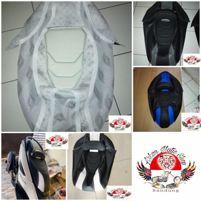 Foto Produk cover kulit jok mbtech custom nmax2020 dari arkan matic shop