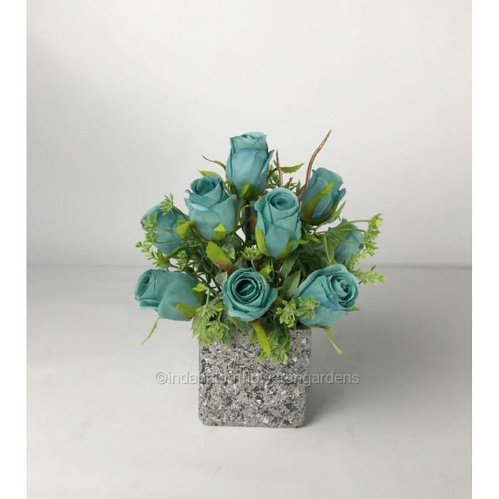 Jual Rangkaian Bunga Rose Warna Ungu Dan Biru Biru Jakarta Utara Indah Alam Flowers Gardens Tokopedia