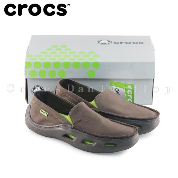 Foto Produk Sepatu Pria Crocs Tideline Sport Kanvas Original - Coklat dari Crocs Dan Fitflop