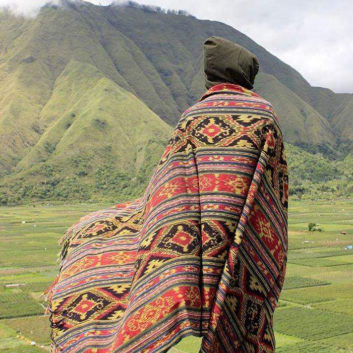Foto Produk Kain Blanket Etnin Tenun Rajut Lombok dari Toko Gunung Murah
