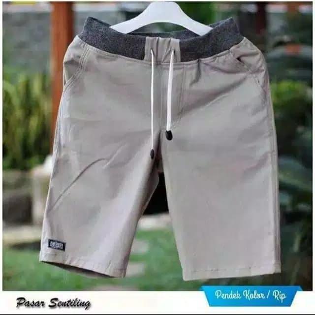Foto Produk CELANA CHINO PENDEK PRIA PINGGANG KARET Celana pendek Chino Murah - Hitam dari Manalagiii
