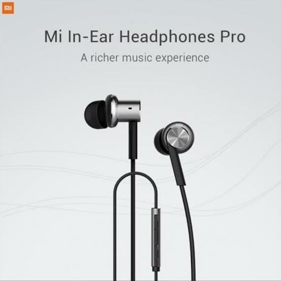 Foto Produk Xiaomi Mi In-Ear Headphones Pro - Silver dari Cellular Mas