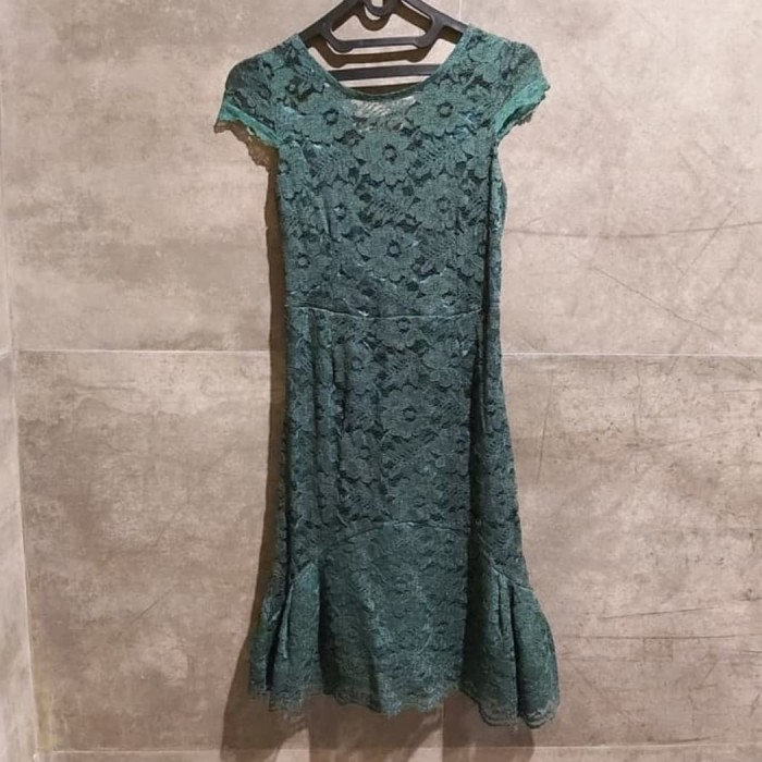 Foto Produk Mini Dress Brokat Emerald Green dari Lilybloom