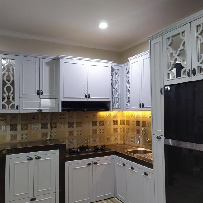 Jual Kitchen Set Murah Kayu Solid Premium Finishing Duco Vernish Kota Bogor Serbakayukayu Tokopedia