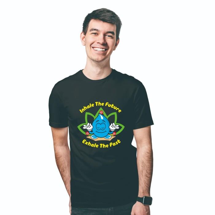 Foto Produk Baju Kaos Atasan T-Shirt Cowok Distro Fashion Pria Black Edition Yoga - XS dari Air Minum Biru