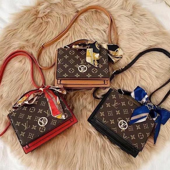 Foto Produk Tas Selempang Branded Sling Bag Cewek Cantik Modis Gantungan Syal E093 dari Gudang Distributor Murah