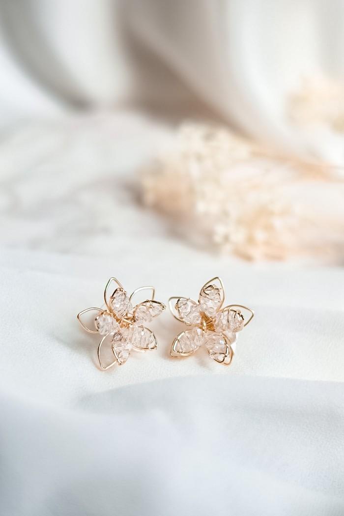 Foto Produk Tilly stud earing/anting bunga kristal/crystal earing/stud earing dari poppypetals_official