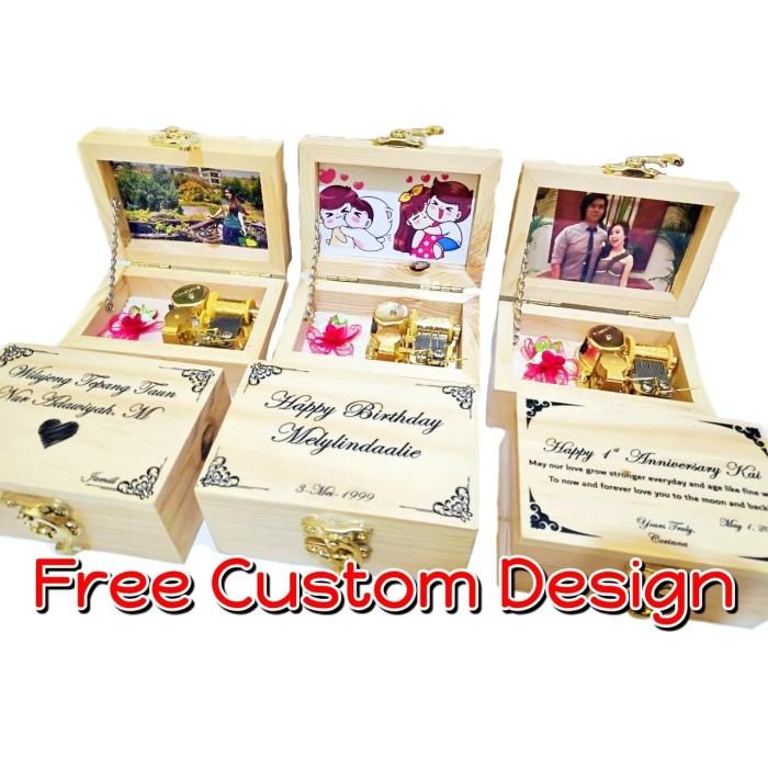 Foto Produk Music Box / Kotak Musik Kayu & Acriliyc OTOMATIS bisa CUSTOM FOTO - Frozen dari CV Importir Cantik