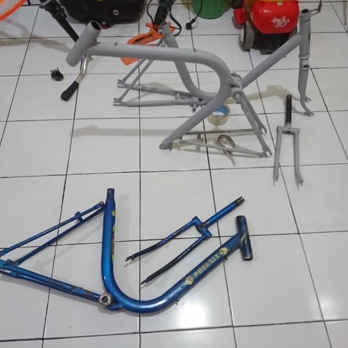 Foto Produk frame sepeda minitrek ukuran 20 belum di cat dari very variasi