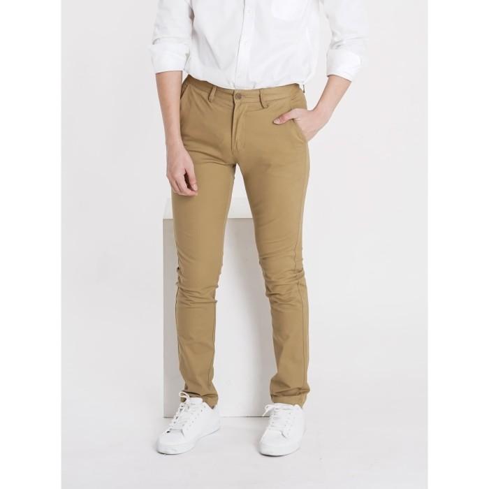 Foto Produk Chino Long Pants - Light Brown - 31 dari hudd.id
