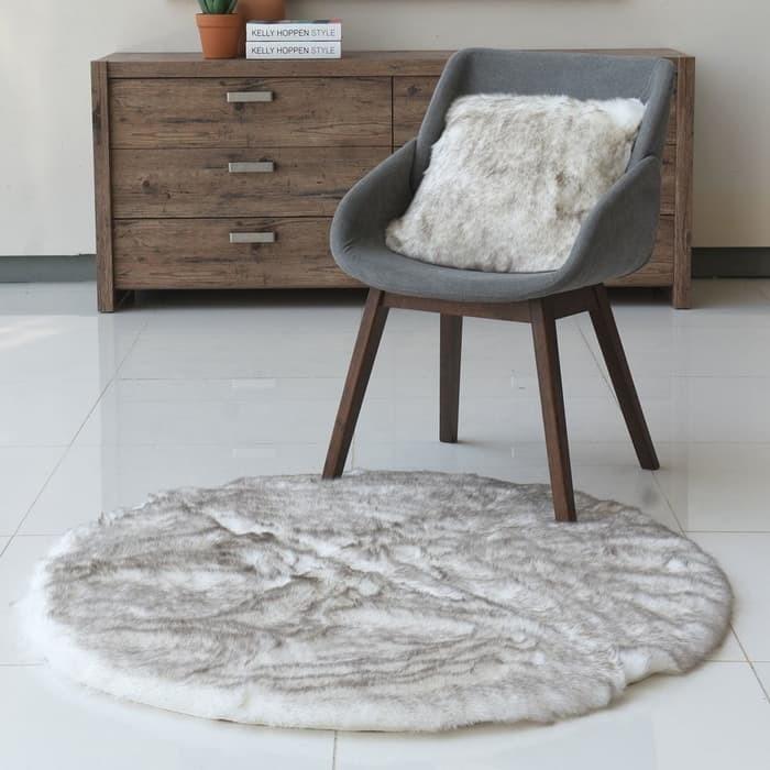 Jual Karpet Foxy Faux Fur Rug White Round 110cm Kota Bandung Toko Pelesiran Tokopedia