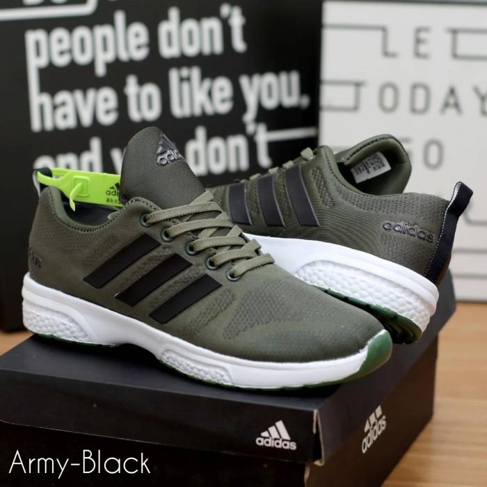 Jual Sepatu Olahraga Pria Running Adidas Yeezy Zoom Questar