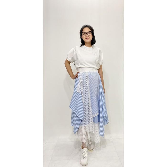 Foto Produk OLINE WORKROBE - Asymmetrical Layer Skirt in Stripe Blue dari OLINE WORKROBE