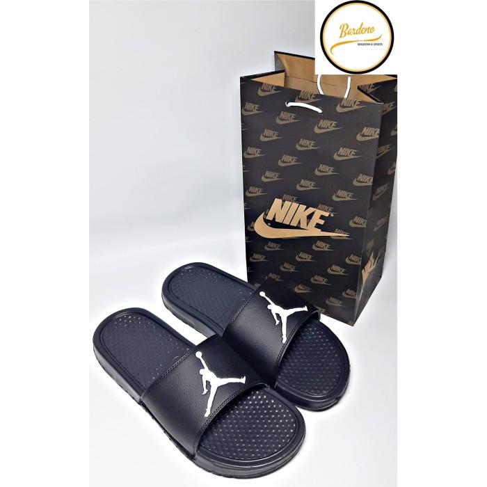 Chapoteo Prever síndrome  Jual NIKE BENASSI AIR JORDAN SIZE 37-47 - 37 - Kab. Tangerang -  bardeno.shoes | Tokopedia