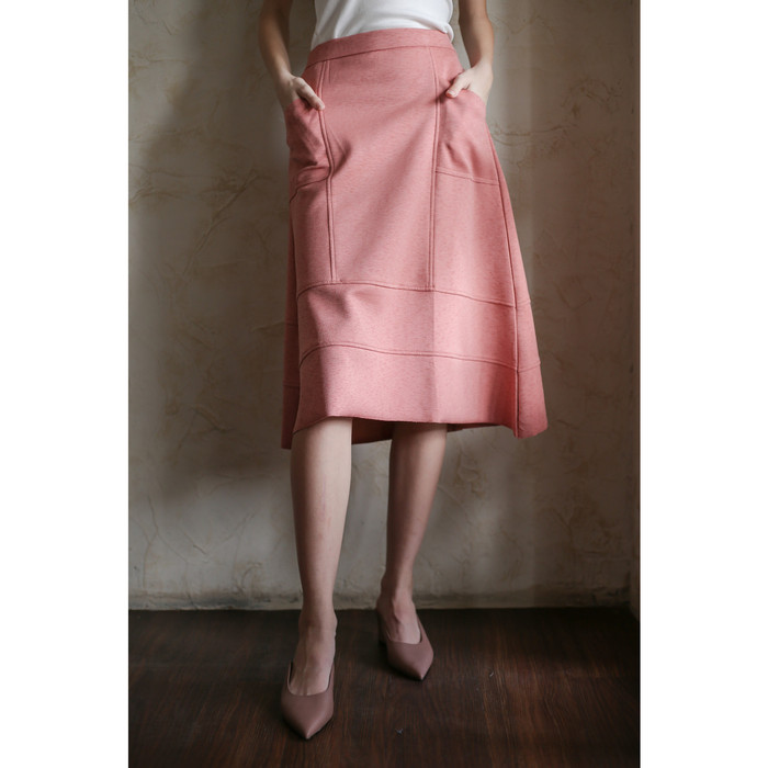 Foto Produk Landon Skirt Maven - RAW SALMON dari Lost And Found Shoppe