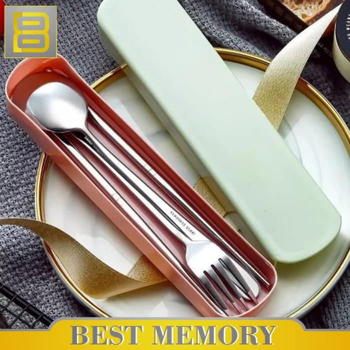Foto Produk Sendok Set Stainless steel / sendok / garpu / alat makan set - Merah Muda dari BEST MEMORY