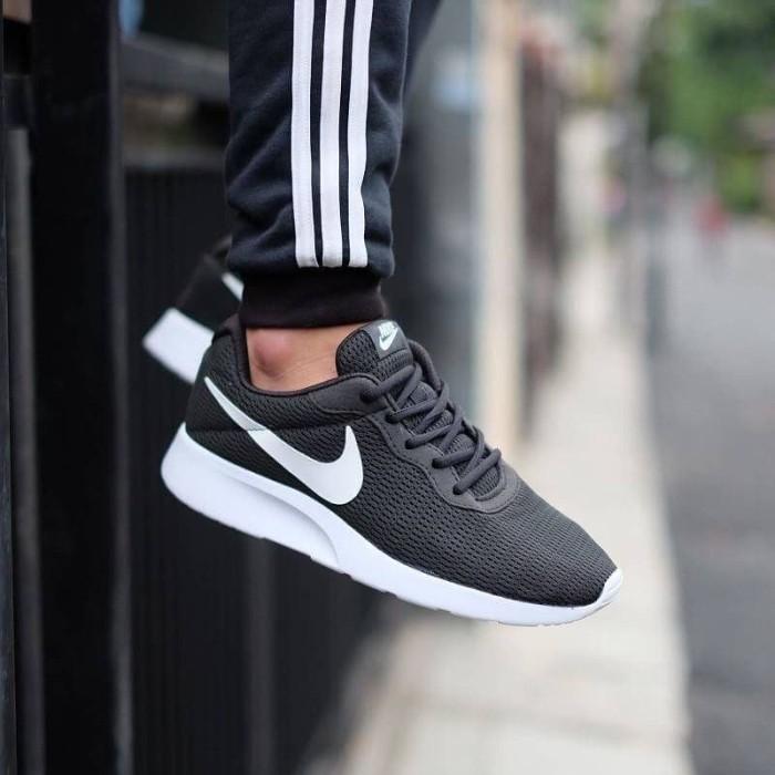 Jual Nike Tanjun Trainer Black White Original - Black White, 40 - Jakarta Barat - AsatPutra | Tokopedia