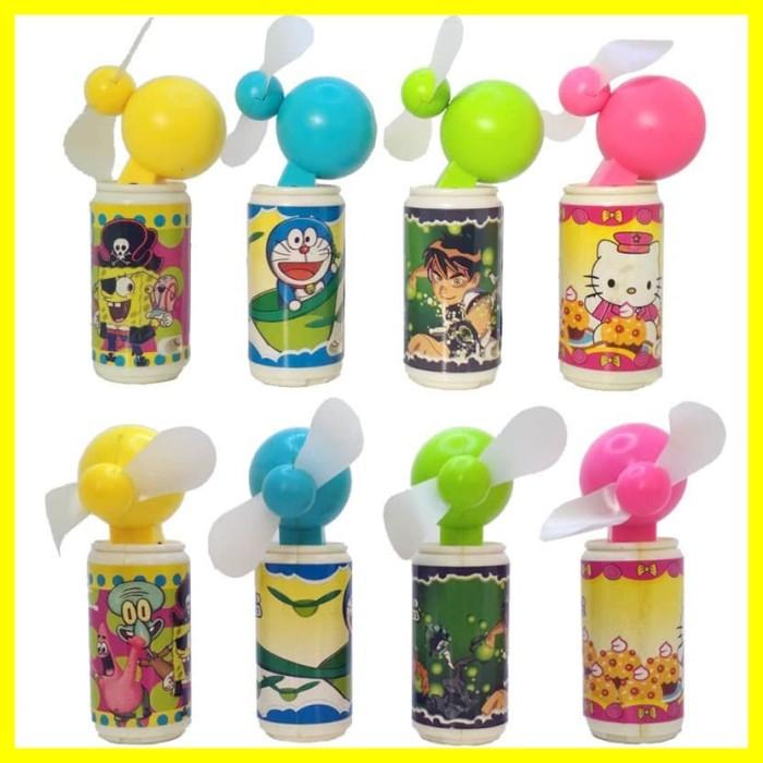 Foto Produk Kipas Angin Kecil Mini Fan Tangan Portable Baterai Karakter Unik Bulat - Kuning dari Iyesh Online Store