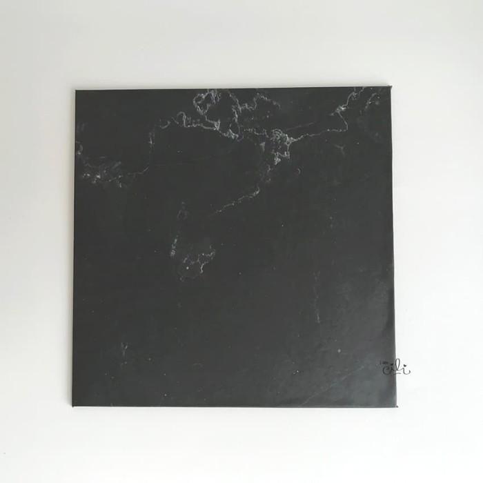 Foto Produk (TKH005-30) Cake base tatakan kue tebal hardboard [30cm x 30cm] dari i am CiLi