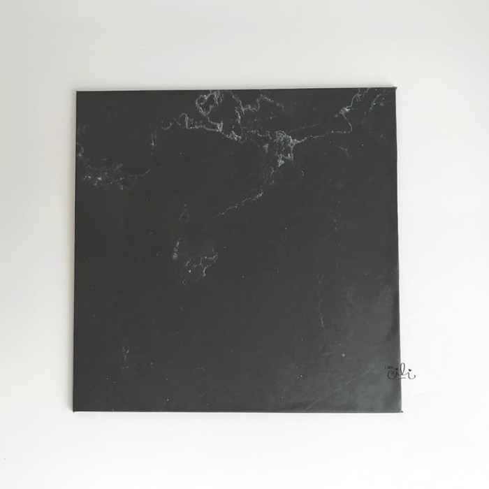 Foto Produk (TKH005-20) Cake base tatakan kue tebal hardboard [20cm x 20cm] dari i am CiLi