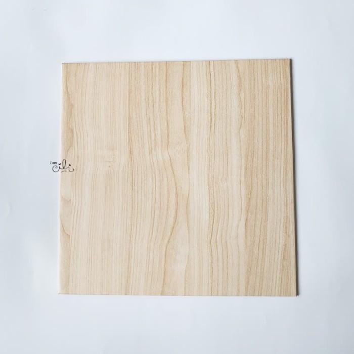 Foto Produk (TKH006-20) Cake base tatakan kue tebal hardboard [20cm x 20cm] dari i am CiLi