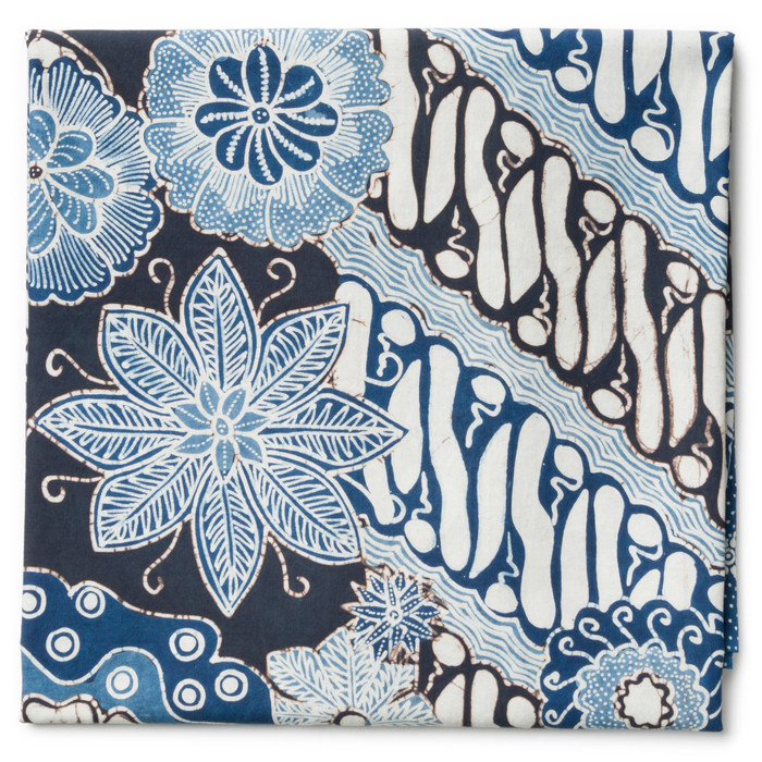 Foto Produk Kain Batik Tulis Warna Alam Motif Parang Kawung Kontemporer - Biru-Hitam dari Kainusa