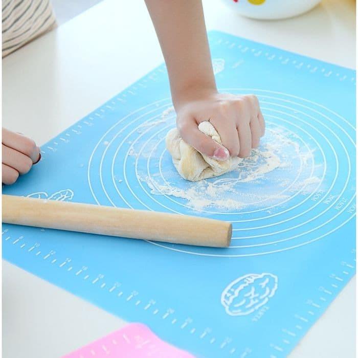 Foto Produk Alas adonan kue Silicone UK 50X40CM ALAS ADONAN KUE SILIKON dari rejeki shop