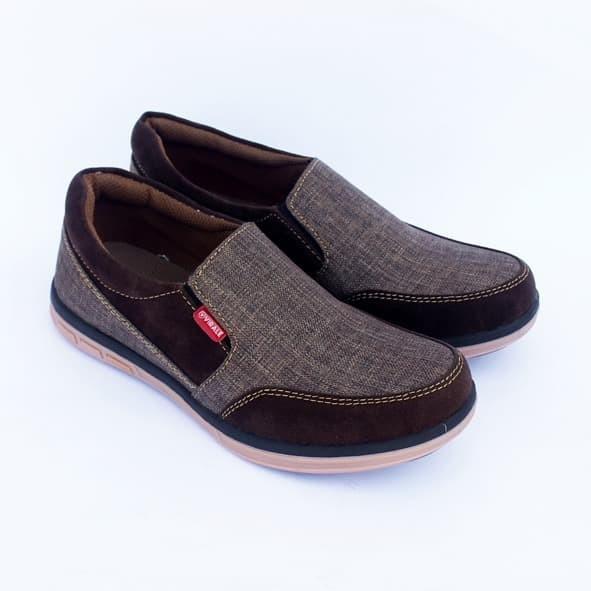 Foto Produk Sepatu Slip On Pria / Sepatu Selop Pria Casual KG 01 CK GELAP - 39 dari Mamojo Adventure