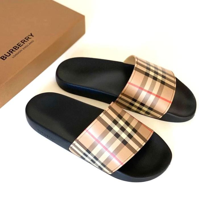 Burberry Sandal/Slide cb