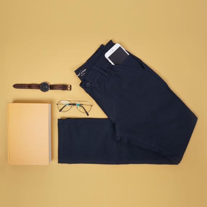 Foto Produk Celana Chino Navy Trustdenim Cult Navy - NAVY, 36 dari Trust Denim