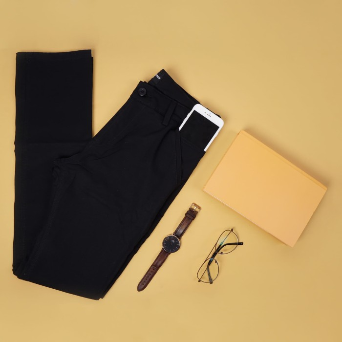 Foto Produk Celana Chino hitam Trustdenim Cult Black - Hitam, 31 dari Trust Denim