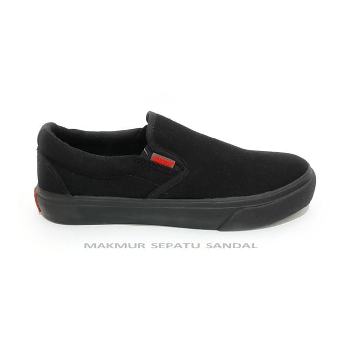 Foto Produk Sepatu Slip On Warrior Arthur - Hitam/ Black dari Makmur Sepatu Sandal
