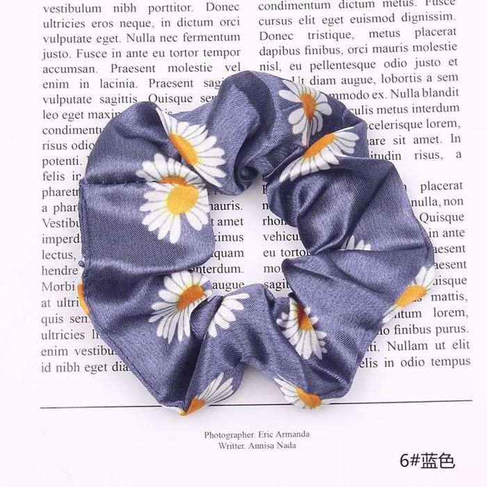 Foto Produk IK30 Ikat Rambut Scrunchie Jepang Bunga Daisy - blue dari EnnWen Online Store