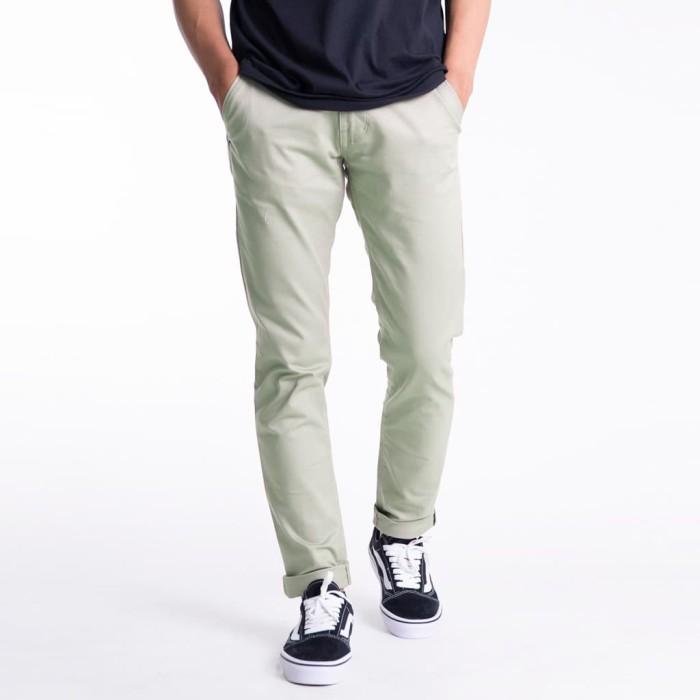 Foto Produk Celana Indie Bandung - Chinos Pants Millenial White - 28 dari CELANAINDIEBANDUNG