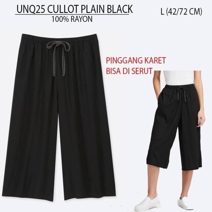 Foto Produk Celana Kulot Wanita Uniqlo 25 Cullot Plain Black dari Josh Garage :)