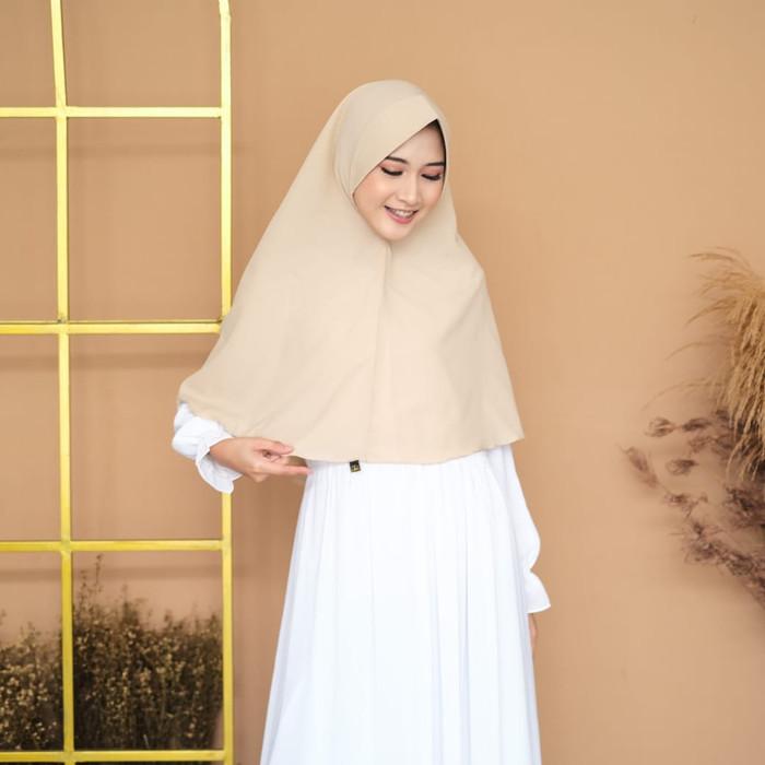 Jual Hijab Kerudung Jilbab Instan Khimar Pet Antem Syari Terbaru Asbulat Cream Almond Kota Bandung Jaya Hebat Tokopedia
