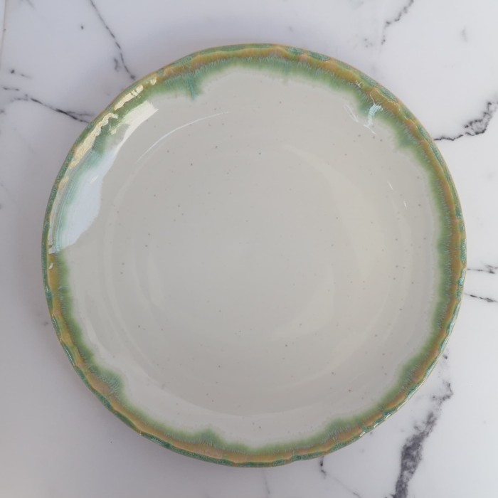 Foto Produk Artisan Ceramic | Cream Dripping Green Dinner Plate | Piring Keramik dari Artisan Ceramic