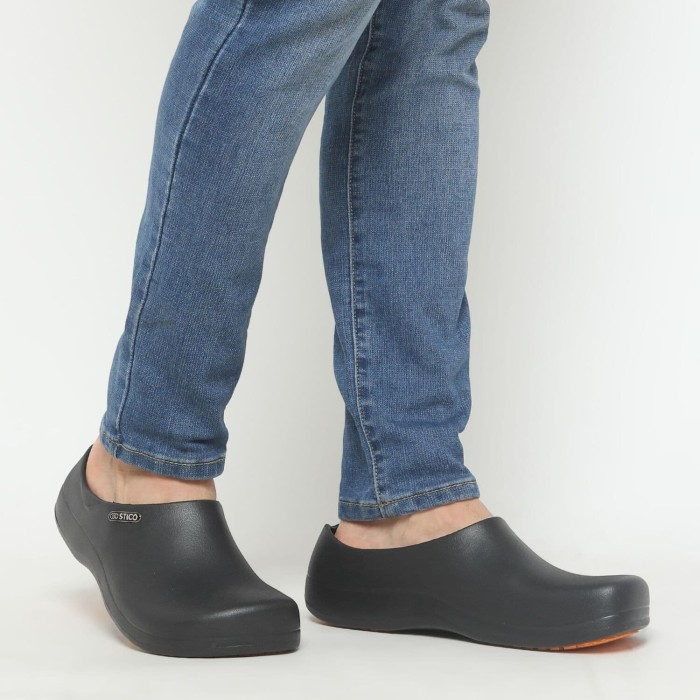 Foto Produk Stico Chef Shoes Sepatu Koki Sepatu Dapur Anti Slip (Wholesale Price) dari Sticosafetyshoesofficial