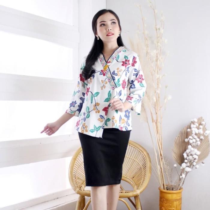 Foto Produk Mora Top Standar - Atasan Batik Wanita Lengan Panjang dari EVERCLOTH