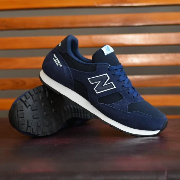 Foto Produk Sepatu Kets Casual Sport Pria Kulit Suede Asli Hitam Coklat Putih Navy dari Lapak Sepatu Sby