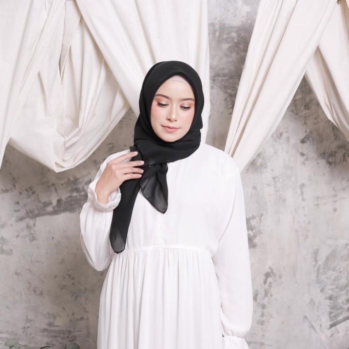 Foto Produk Hijab Ellysha CLOUDY CHIC HIJAB SQUARE BLACK dari Hijab Ellysha Official